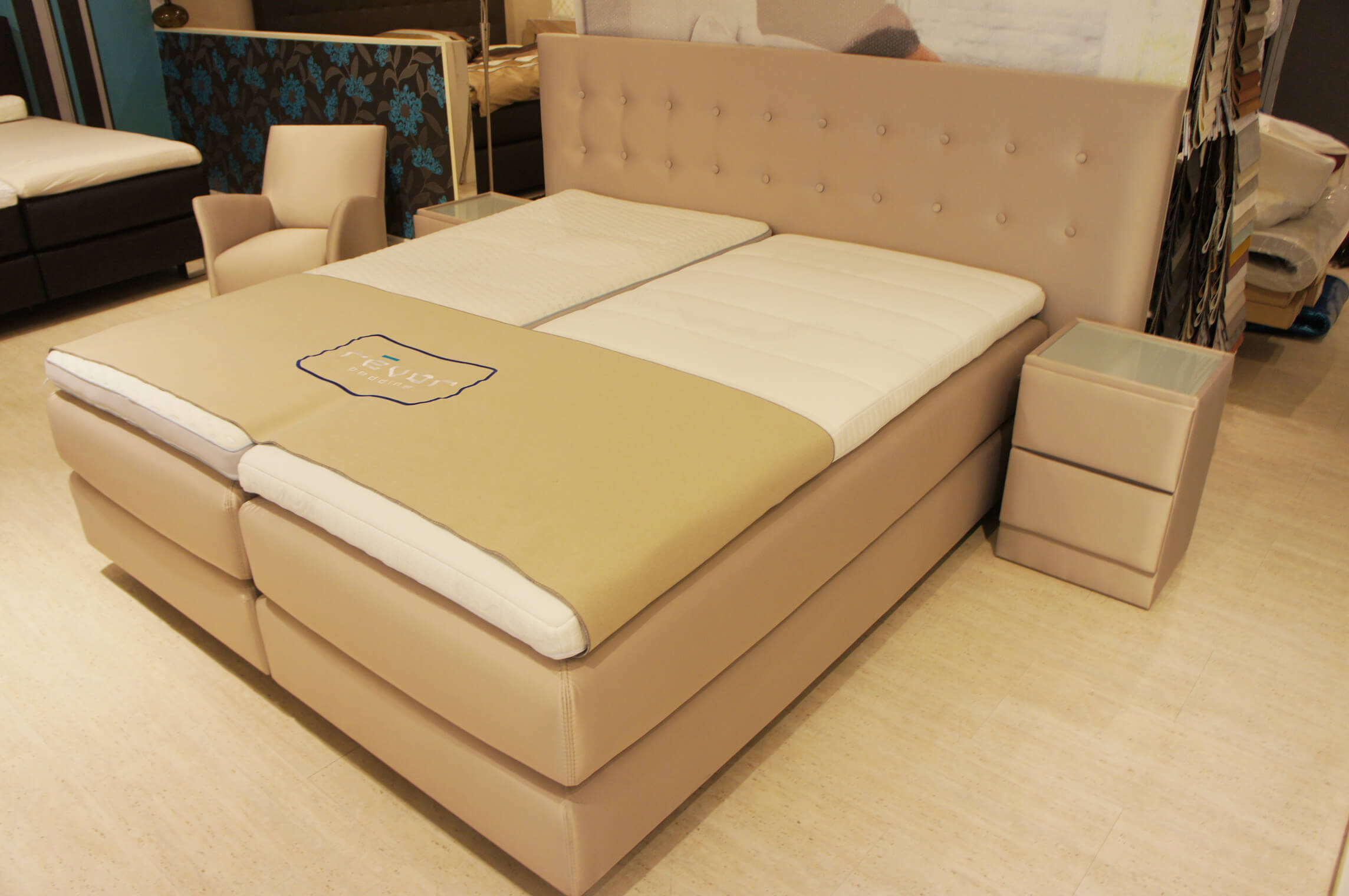 boxspringbetten k ln mit best preis garantie bei. Black Bedroom Furniture Sets. Home Design Ideas